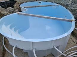 La costruzione della piscina - Piscine fuori terra vetroresina ...